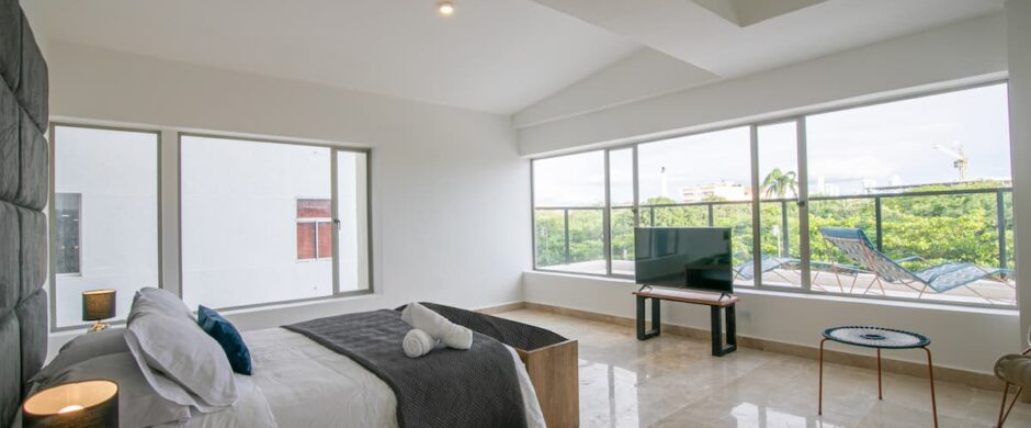 7 BR Luxury Apartment with Private Pool